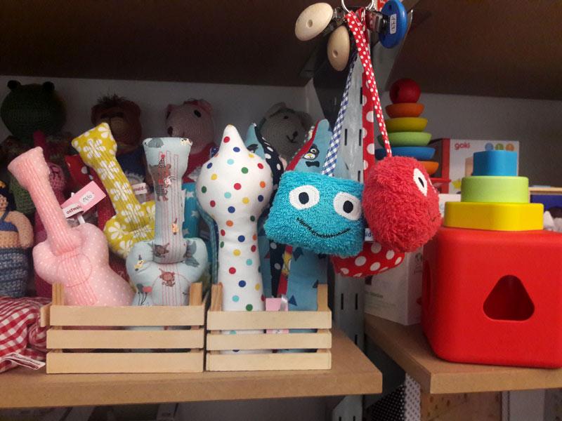 a79306eb516efa Auch in dem kleineren Sönnenken in Neukölln verfolge ich die Idee vom  liebevoll zusammen gestellten Sortiment an Spielzeug in einer Atmosphäre  zum ...